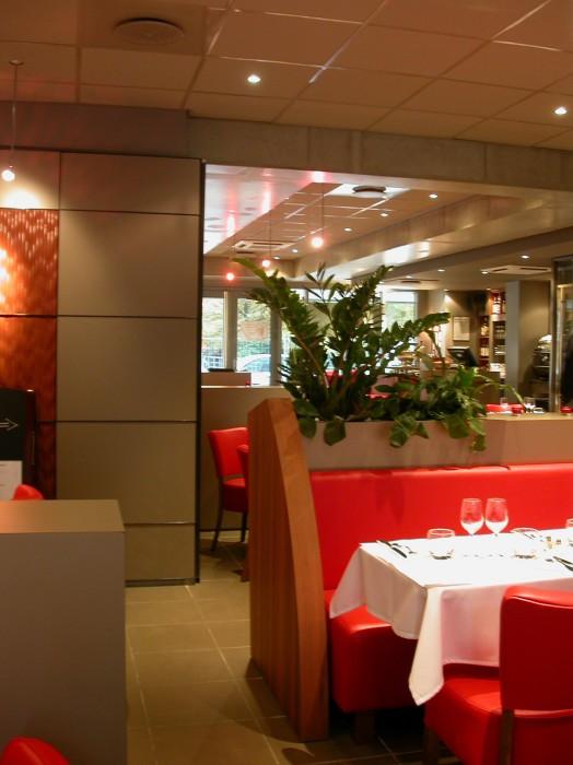 le carre rouge restaurant cit internationale lyon vi. Black Bedroom Furniture Sets. Home Design Ideas